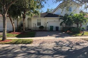 18720 SW 25th Ct - Photo 1