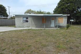 525 NW 29th Ter - Photo 1