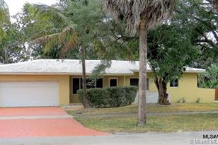 11225 NW 5th Ave - Photo 1