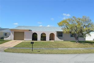 10725 SW 166th Ter - Photo 1