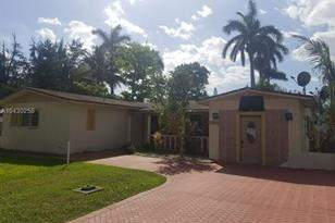 15850 N Miami Ave - Photo 1