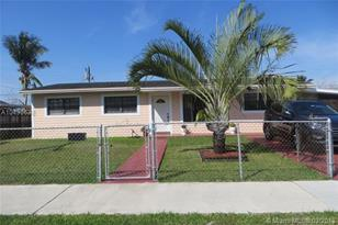 5102 SW 102nd Ave - Photo 1