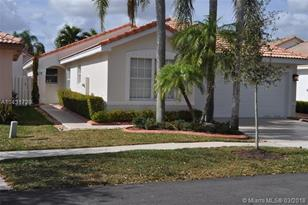 17773 SW 28th St - Photo 1