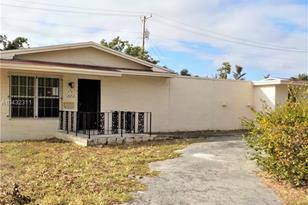 1220 NW 175th St - Photo 1
