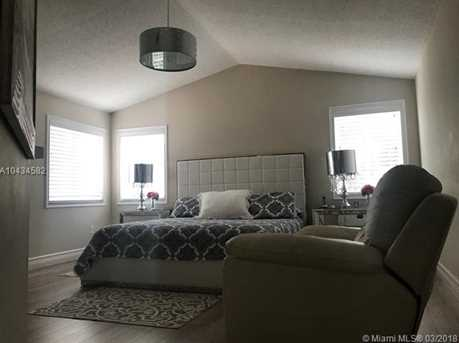 11247 NW 53rd Ln - Photo 5