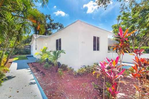 4221 NW 5th Ave - Photo 3