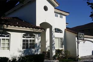 15403 SW 142nd Ave - Photo 1