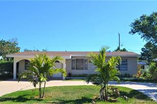 825 SW 10th Ave - Photo 1