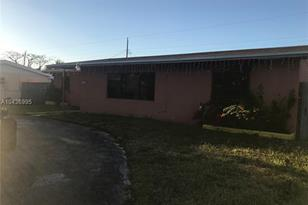 10105 Montego Bay Dr - Photo 1