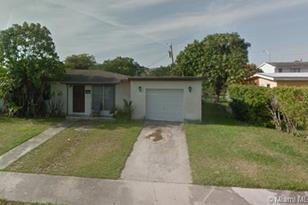 11050 SW 55th St - Photo 1