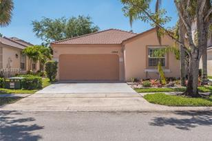 15942 NW 21st St - Photo 1