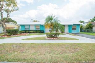 11004 SW 154th Ter - Photo 1