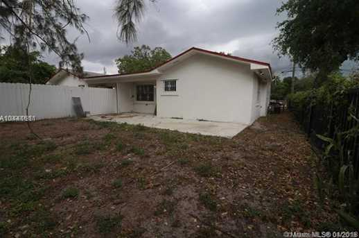 2120 NW 93rd St - Photo 3