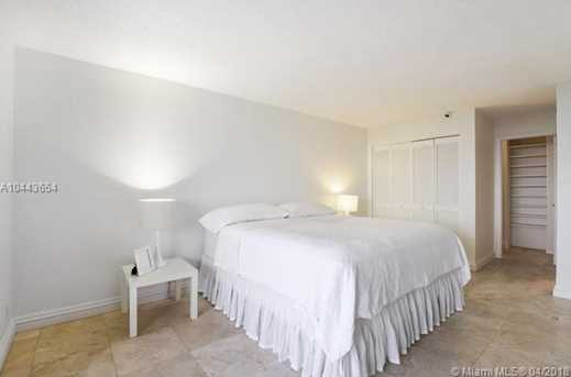 2555 Collins Ave #1708 - Photo 9