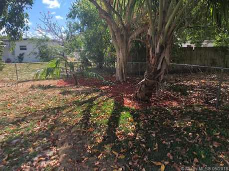 540 NW 30th Ave - Photo 3