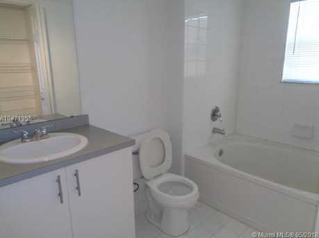720 SW 111th Ave #207 - Photo 3