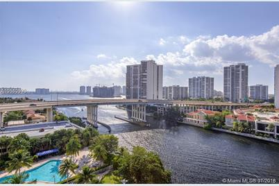 19390 Collins Ave #1421 - Photo 1
