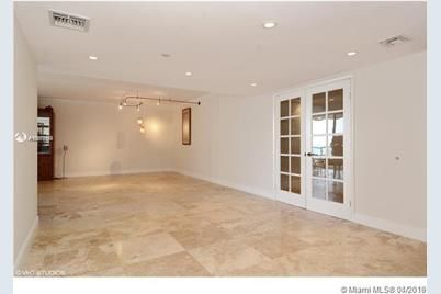 8855 Collins Ave #4B - Photo 1