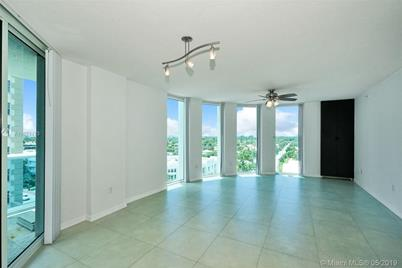 9201 Collins Ave #822 - Photo 1