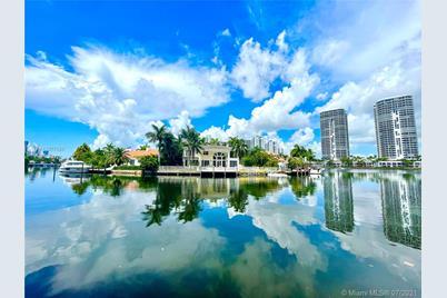 455 Center Island Drive - Photo 1