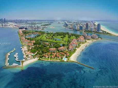 7001 Fisher Island Dr #PH1 - Photo 27