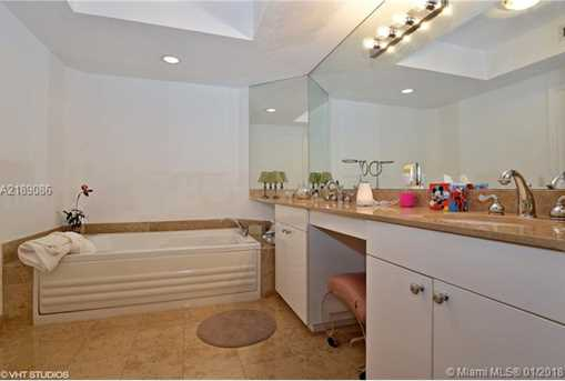 4779 Collins Ave #1904 - Photo 11