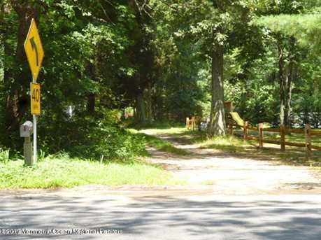 319 Veterans Highway E - Photo 1