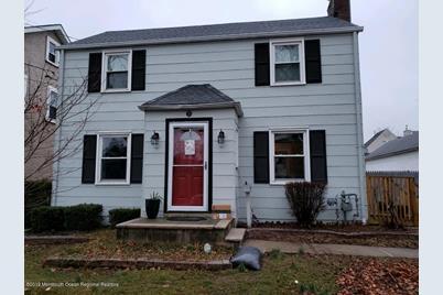 5 Ellis Street, Freehold, NJ 07728