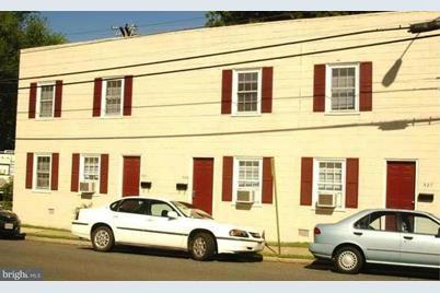 529 Hanover Street - Photo 1