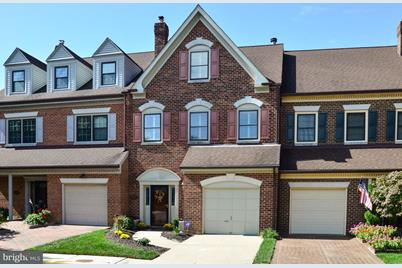 6285 Chaucer View Circle - Photo 1