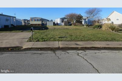 401 Sandyhill Drive - Photo 1