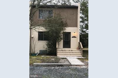 743 Clubhouse Lane #D - Photo 1