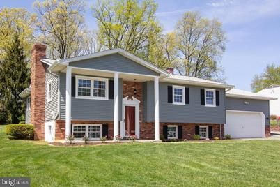 Phenomenal 1506 Pilgrim Lane Finksburg Md 21048 Home Interior And Landscaping Synyenasavecom