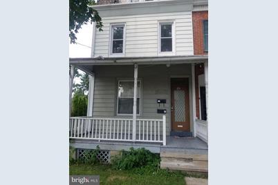 211 W Broad Street - Photo 1