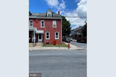 421 Laurel Street - Photo 1