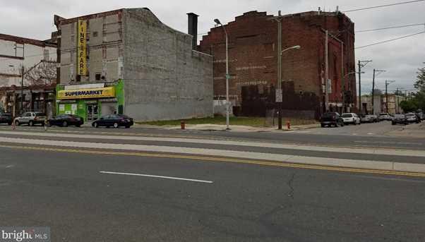 625-27 W Girard Avenue - Photo 1