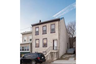 402 Leverington Avenue - Photo 1