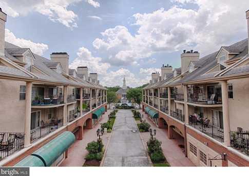 2035 Main Street - Photo 1