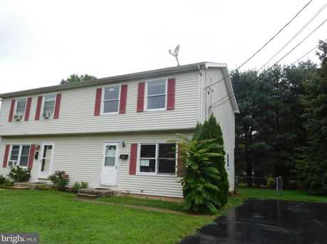 320 W Summit Street - Photo 1