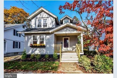 209 E Cottage Avenue - Photo 1
