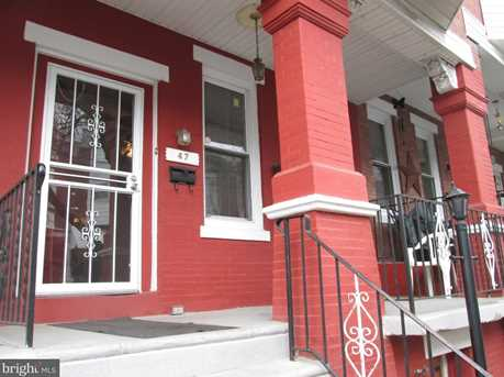 47 W Sharpnack Street - Photo 1