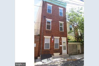 723 Hall Street - Photo 1