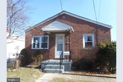 2204 Garfield Avenue - Photo 1