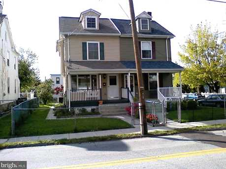304 W Walnut St - Photo 1