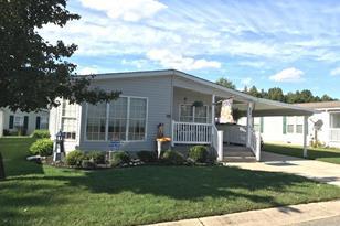 425 Pinewood Drive - Photo 1