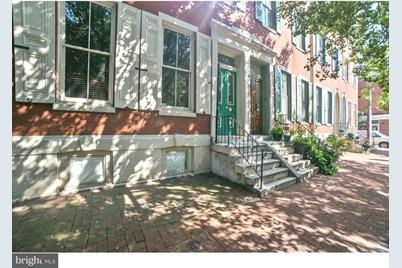 1707 Wallace Street #1R - Photo 1
