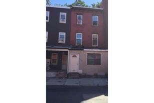 2215 N 8th Street - Photo 1