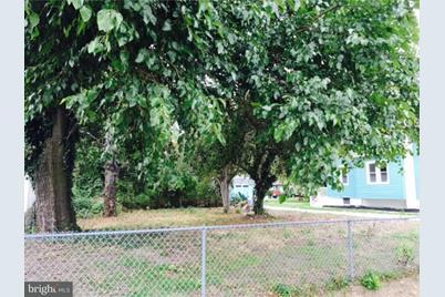 609B W Broad Street - Photo 1