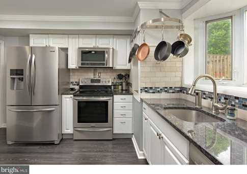 345 W 5th Avenue - Photo 1