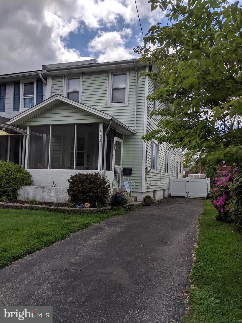 Prospect Park Pa >> 1018 Madison Ave Prospect Park Pa 19076 Mls Pade491056 Coldwell Banker